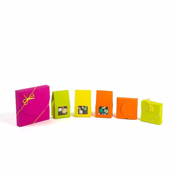 Paques pochettes colorees